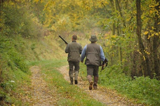 Ils rêvent de chasser: donnez leur une chance!